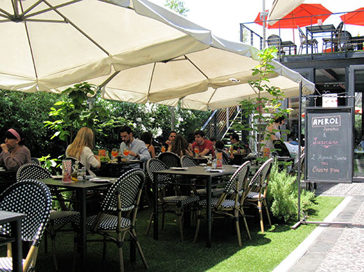 Enjoy the mid-summer January sunshine in one of Santiago's ever-present cafes