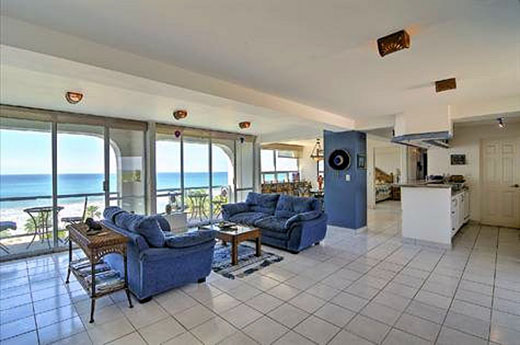 This oceanfront condo is going for only US$218,500