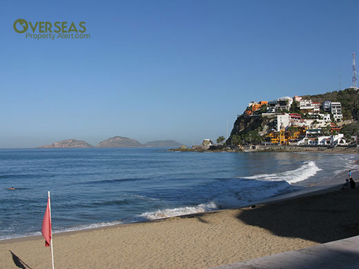 Mazatlán's smallest beach, Olas Altas has the advantage of being in the historic center