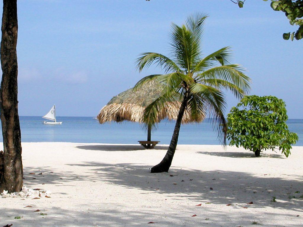 Pelican Beach Roatan