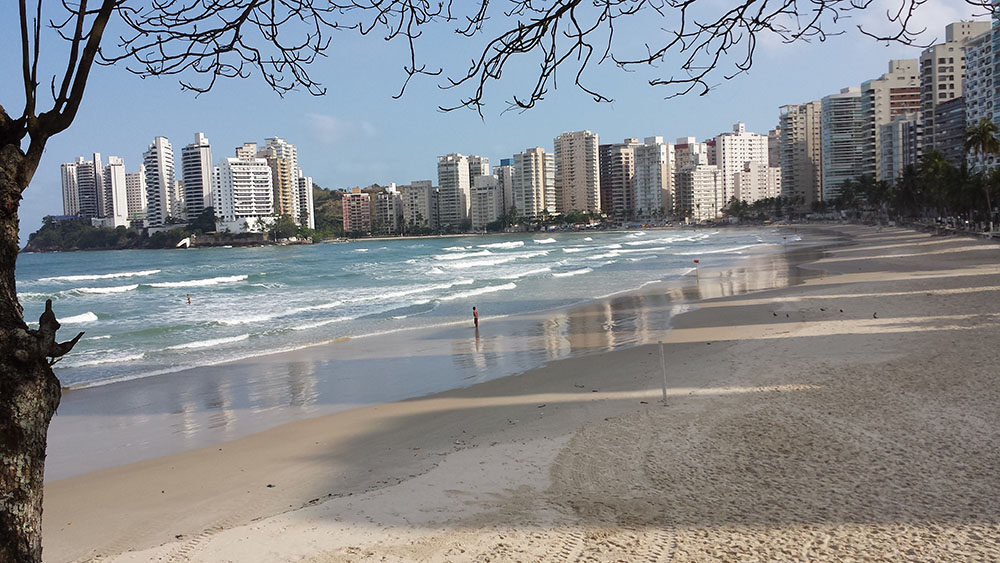Astúrias Beach is a favorite with local surfers