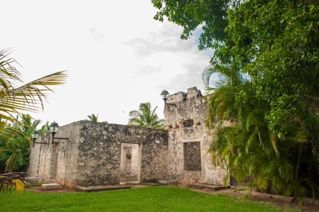 runied colonial building in mexico available for development