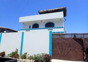Punta Blanca house, Ecuador