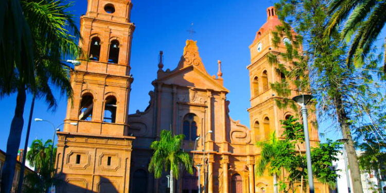 cathedral in santa cruz bolivia