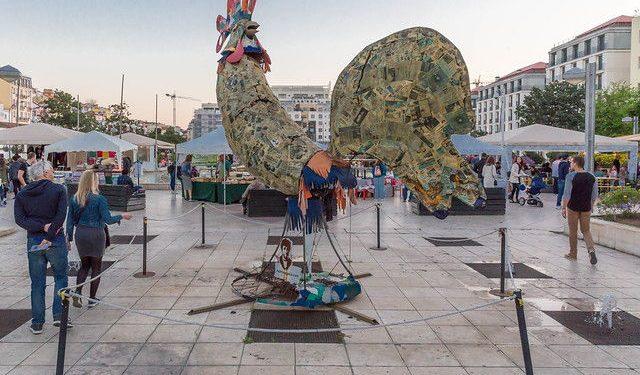 A huge cockrel sculpture at Martim Moniz square in Lisbon