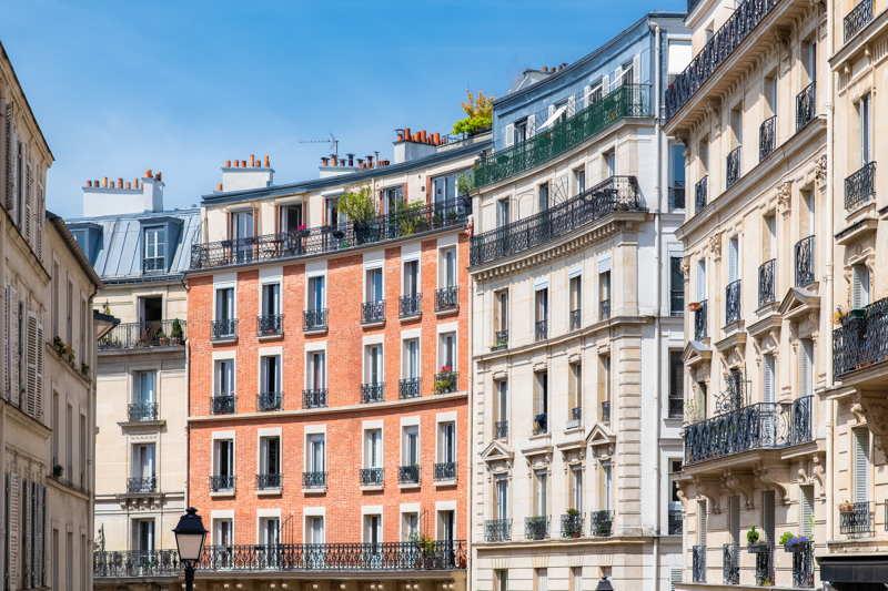 montmatre street paris
