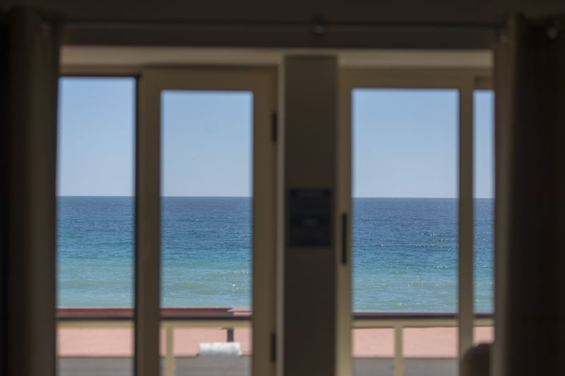 An ocean view for 165,000 euros in Praia da Luz